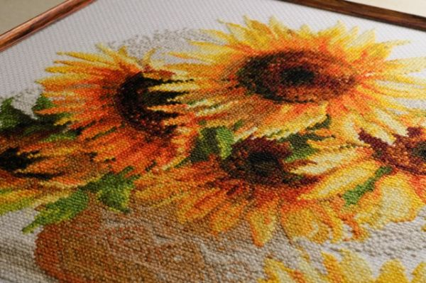 Cross stitch sunflower by RIOLIS